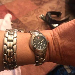 Swiss Army Maverick Victorinox watch beautiful
